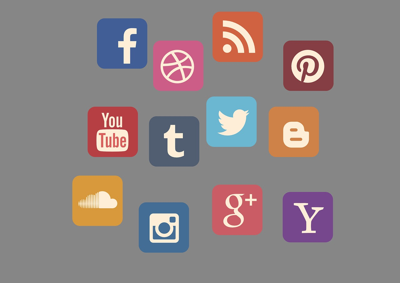 Social Media Marketing- Promote Yourself 24*7 For Free!